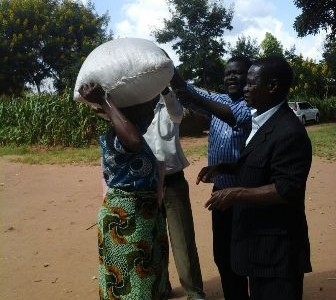 The relief and development arm of the Episcopal Conference of Malawi (ECM), Catholic Development Commission in Malawi (CADECOM), recently distributed food and none food items to flood victims in Ntcheu, […]